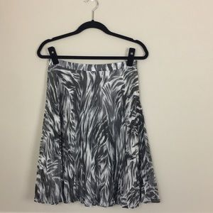 Talbots Petites gray pleated flirty skirt 4P